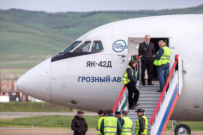 Первый самолет из Брянска приземлился в Симферополе