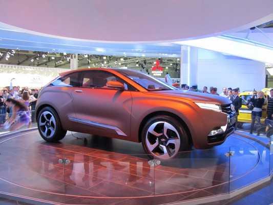 Lada Vesta будет стоить 475 – 495 тысяч рублей, Xray – на 100 тысяч дороже