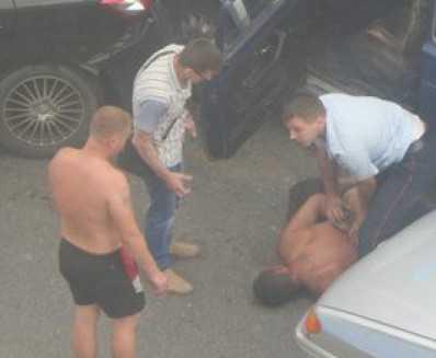 После погони брянские полицейские скрутили пьяного водителя
