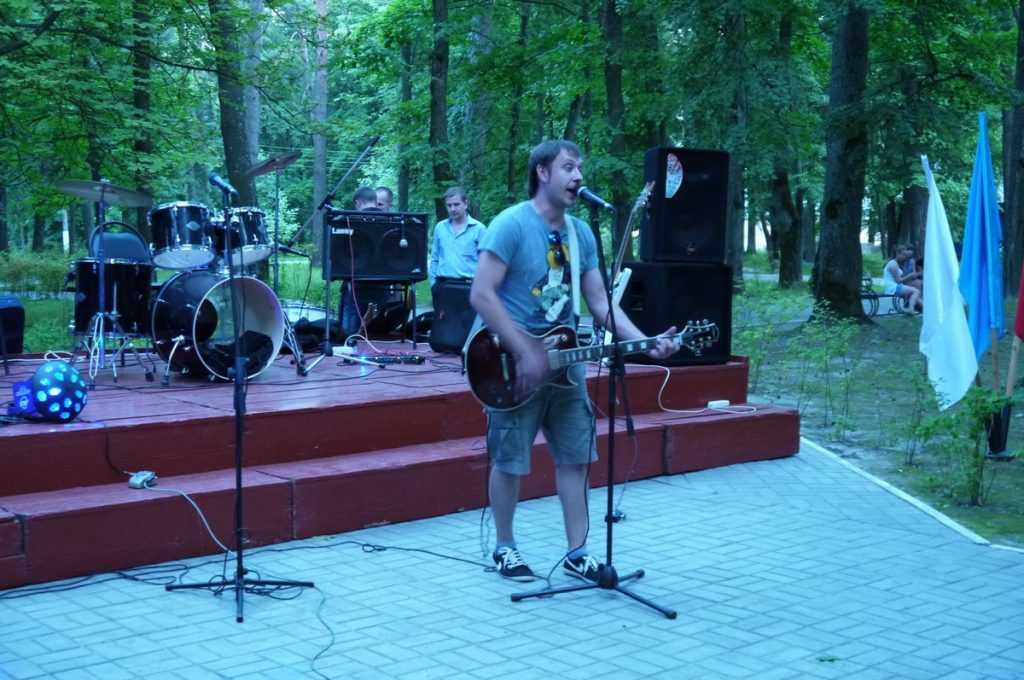 В брянском райцентре рок-фестивалем восславили здоровый образ жизни