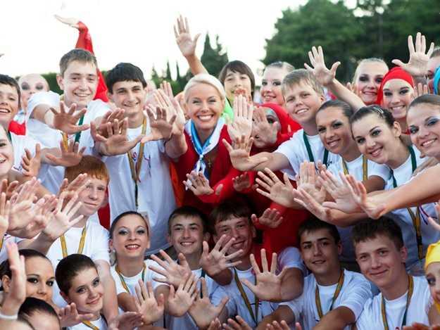 Под Брянском открылся фестиваль молодежи