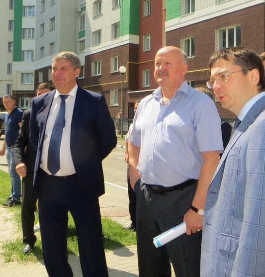 В Брянске заместитель министра оценил микрорайон «Сосновый бор»
