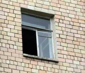 Пятилетний брянский малыш выпал из окна квартиры и погиб