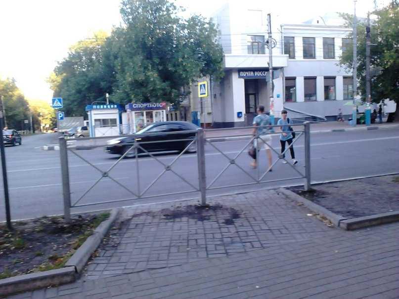 В Брянске около бежицкой почты убрали и восстановили переход