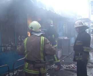 В Брянске сгорел торговый киоск