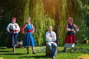 Брянский народный костюм стал символом возрождения русской культуры