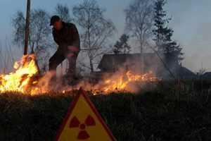 Дым от пожара около Чернобыльской АЭС брянцам пока не угрожает