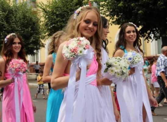 Пожениться в день двух восьмёрок в Брянске поспешили 139  пар