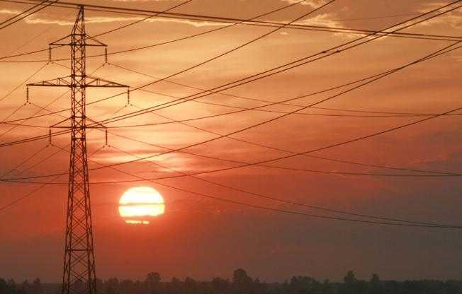 Брянские энергетики выставили щит против солнца