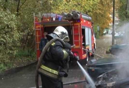 В брянском посёлке сгорела «Тойота»