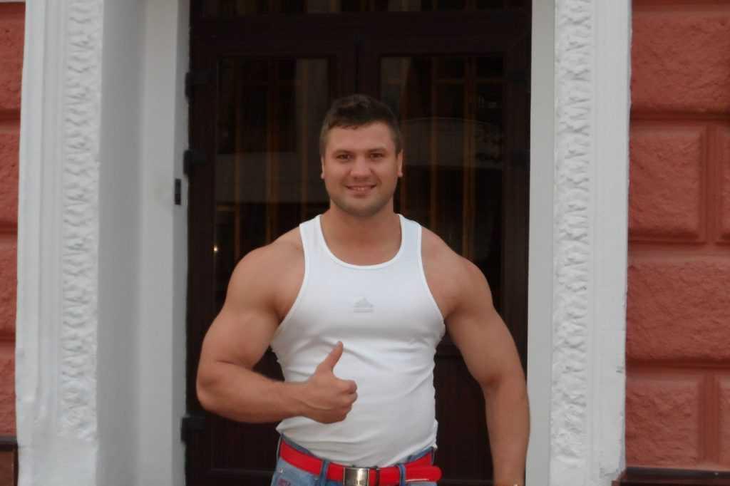 Брянский силач завоевал «золото» и «серебро» на чемпионате Евразии