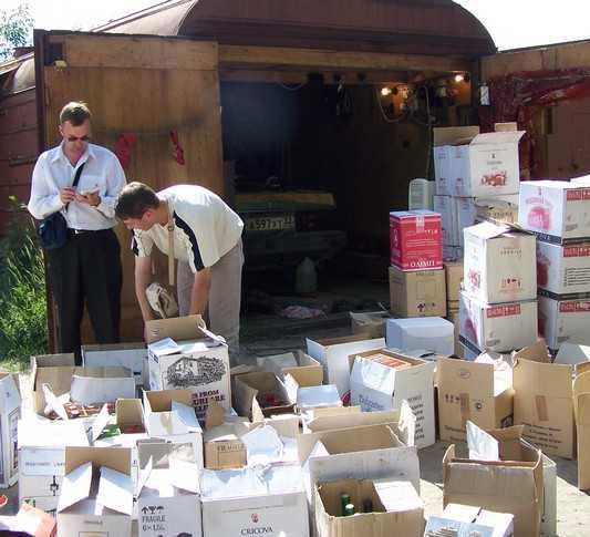 Брянских дельцов лишили 25000 бутылок пойла и будут судить