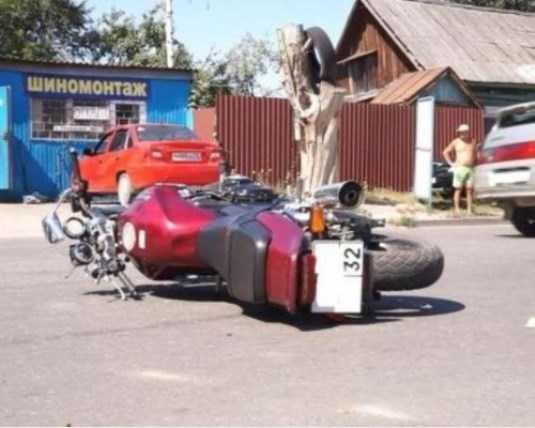 УМВД ищет очевидцев гибели брянца, сбитого мотоциклом