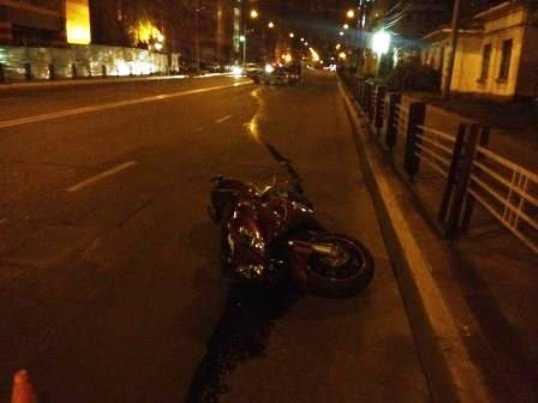 Полиция ищет машину, причастную к ДТП с мотоциклом и такси в Брянске