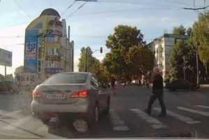 Брянского водителя поймали на тройном автохамстве