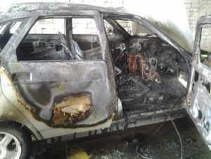 В брянском райцентре сгорела легковушка