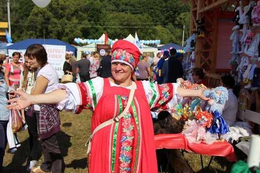 На Свенской ярмарке брянцам споют Николай Валуев и «Иванушки»