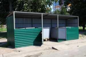 В Брянске все мусорные контейнеры получат крышу