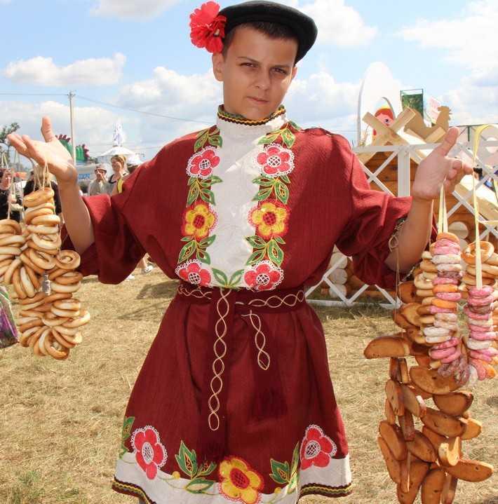 Свенская ярмарка под Брянском: смотровая башня и славянские аттракционы