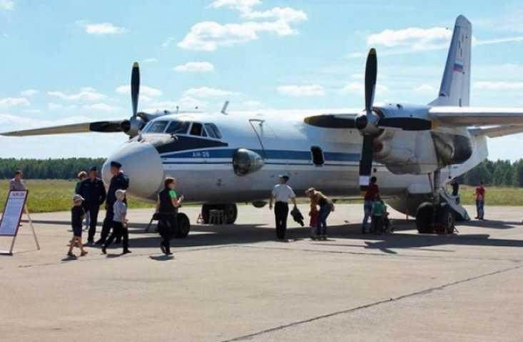 На празднике лётчиков в Сеще брянцам спел бывший заключённый