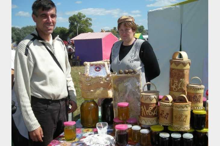Брянцы отведают настоящего меда на ярмарке
