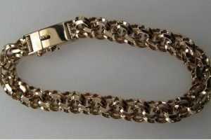 Брянский разбойник украл золотой браслет для подарка жене