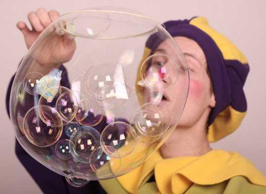 В День знаний брянским школьникам подарят шоу мыльных пузырей