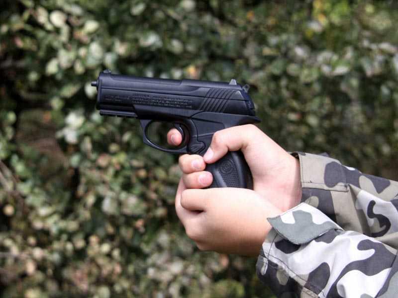Пьяный брянец устроил стрельбу у подъезда дома