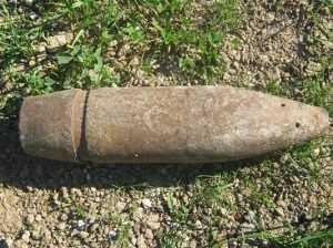 Брянскому посёлку две мины напомнили о войне