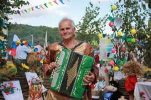 Свенская ярмарка в Брянске: без пива, с песнями и Валуевым