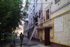 В Брянске из-за пожара эвакуировали жителей многоэтажного дома