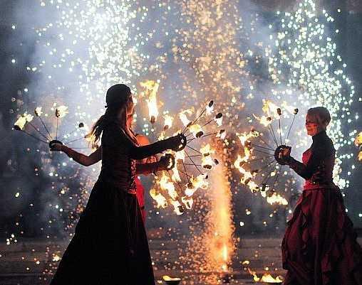 На День города Брянску подарят концерты и салют из 1030 залпов