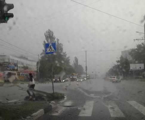 Брянские улицы ушли под воду