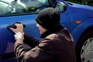Брянского угонщика полиция поймала на автозаправке