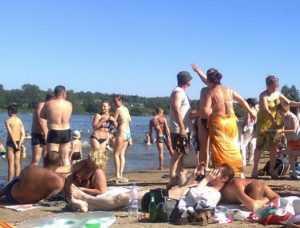 В Новозыбкове начали подготовку к пляжному сезону