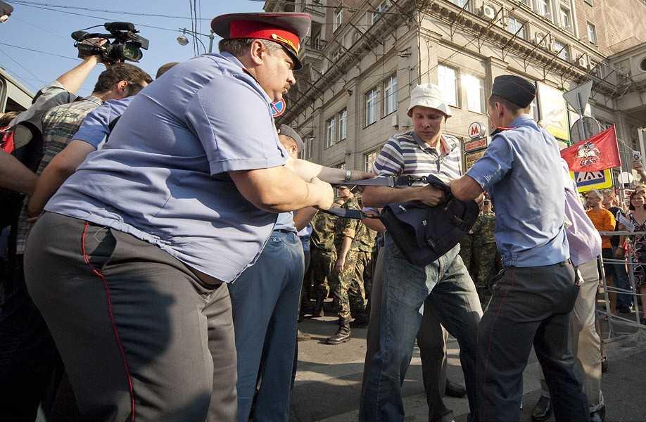 В Брянской области задержали московских полицейских