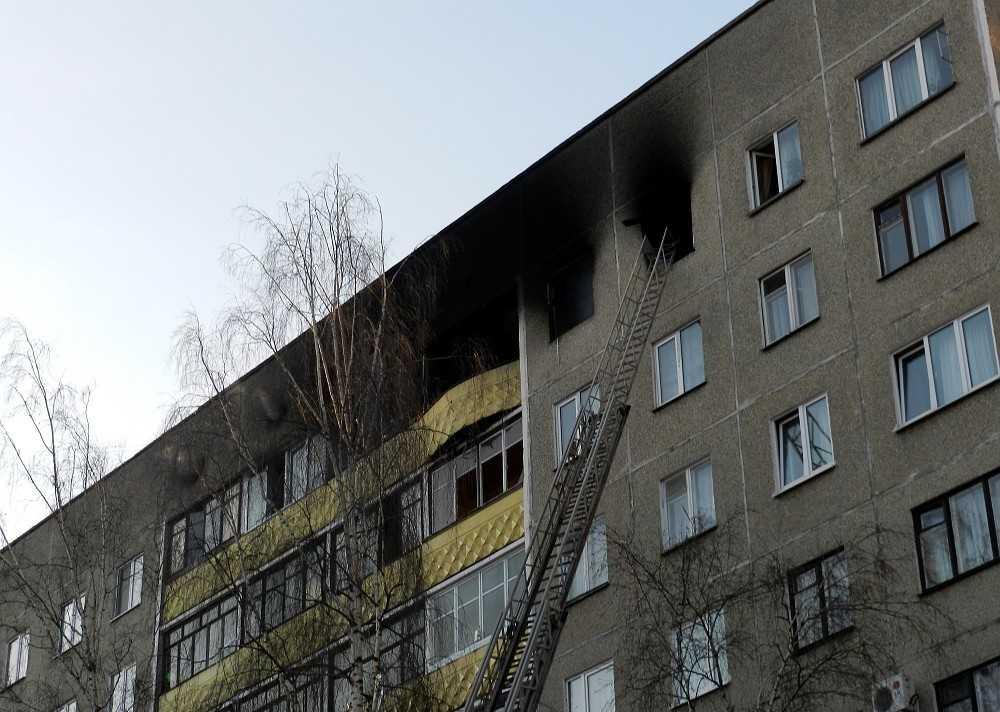 Во время пожара в брянской квартире пострадал человек