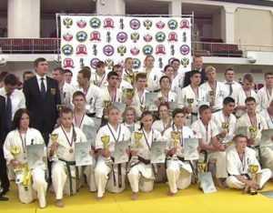 Брянский спортсмен победил на старейшем турнире по каратэ