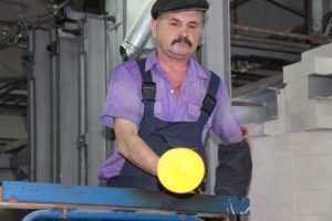 Дятьковских хрустальщиков наказали за выпуск изделий в «незаконной» печи