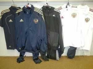 Коммерсанта наказали за поддельную одежду в гипермаркете Брянска