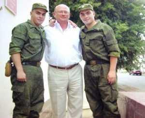 Полицейские-близнецы спасли брянцев от «пришельцев»