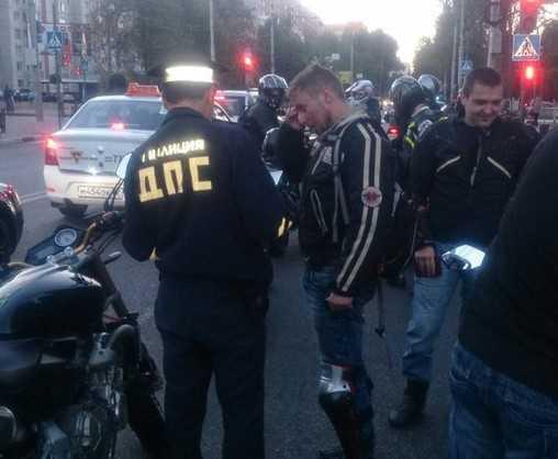 Колонна мотоциклистов-романтиков вызвала переполох в Брянске
