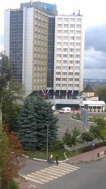 Из окна брянской гостиницы выпал человек