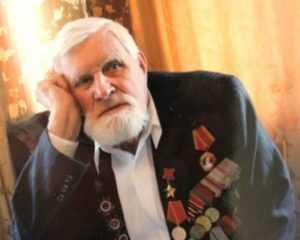 Брянскому знаменосцу Победы Ивану Лысенко исполнилось 98 лет