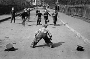 В Брянске коммерсанты отобрали у детей спортплощадку