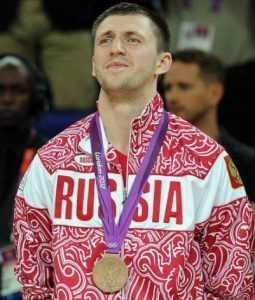 Брянский баскетболист Виталий Фридзон отметил 30-летие
