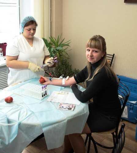 В «Брянскэнерго» сдали 20 литров крови