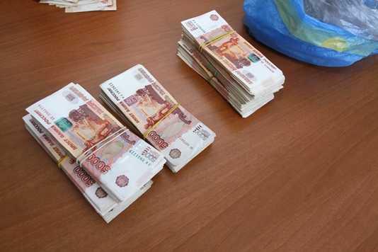 Брянские таможенники задержали киевлянку с 4 миллионами рублей