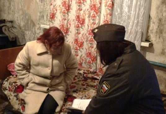Брянская полиция задержала двух проституток со стажем и наркоманов