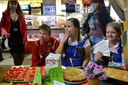 На «Осенней шарлотке» в Брянске соберут деньги для 5-летней Ангелины